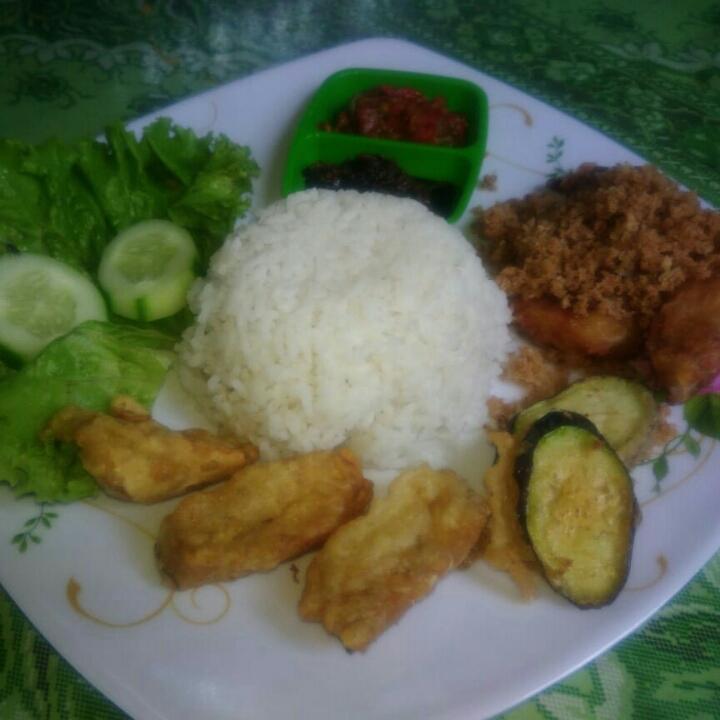 Ayam Penyet Asli Semarang