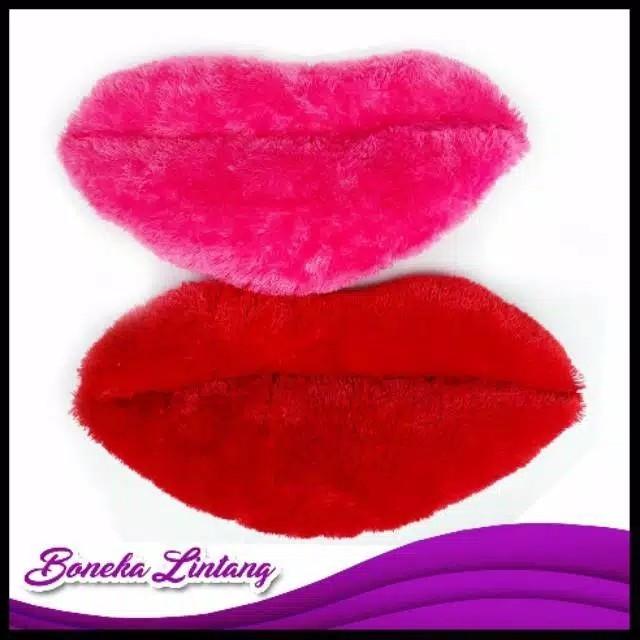Bantal bentuk bibir
