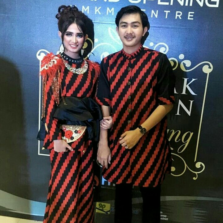 Red Insang Couple