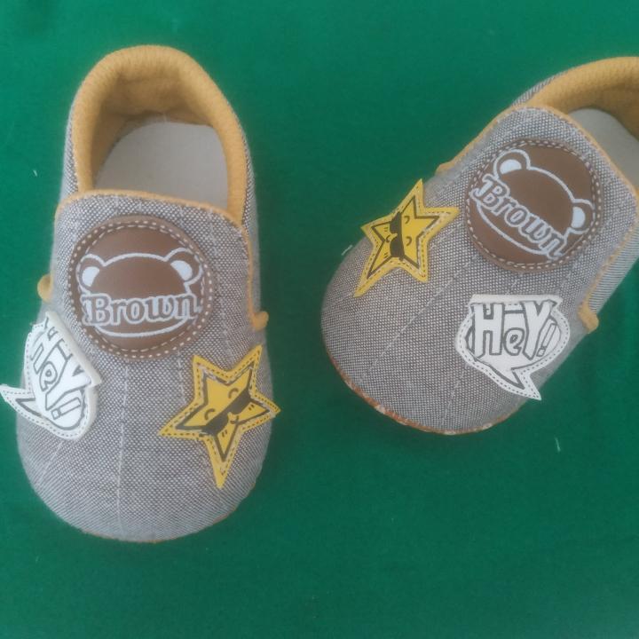 Sepatu Pre-walker Bayi