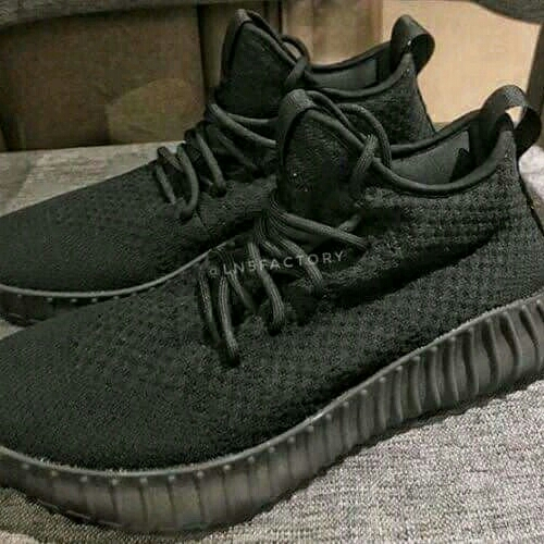 Sepatu Yzy
